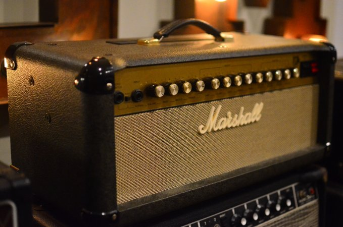 Amplificador Marshall JTM60 H