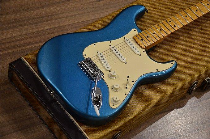 Guitarra Fender Stratocaster Standard Lake Placid Blue