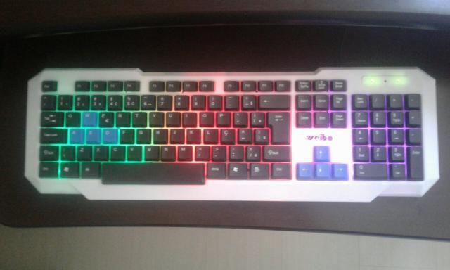 Teclado Gamer Com Fio Usb Colorido Com Led - Fc-719