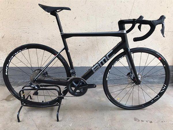 Bicicleta Semi Nova BMC TeamMachine SLR01 Disc One Ultegra DI2 Tamanho 56