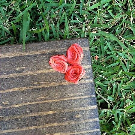 Mini rosas de cetim rosa