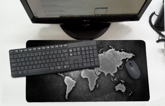 Mouse Pad / Desk Pad Grande 30x70 Linha Office - Mapa Mundi  Cinza