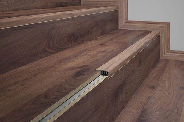 Frontal de Escada Eucatex em PVC na cor 26 - indicado para a cor Ipê Real -Preço por barra com 2,10 metros lineares