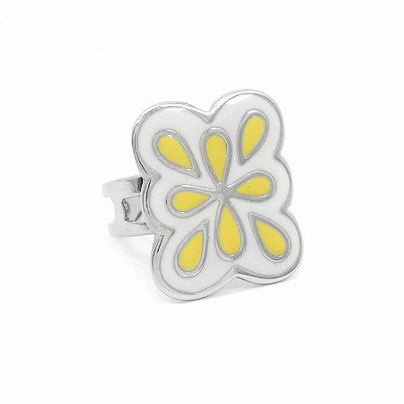 Anel Regulável Prateado com Flor Amarela