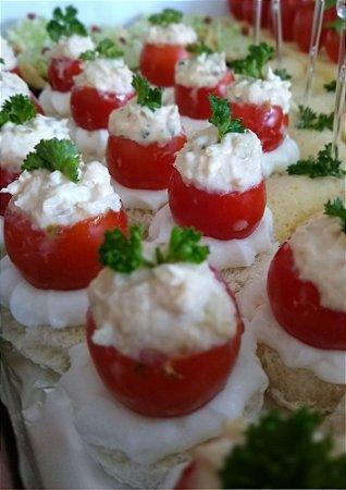 Tomate Recheado de Frango