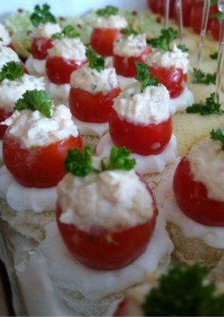 Tomate Recheado de Picles