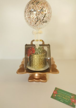 MALETA DRESSED CAKE