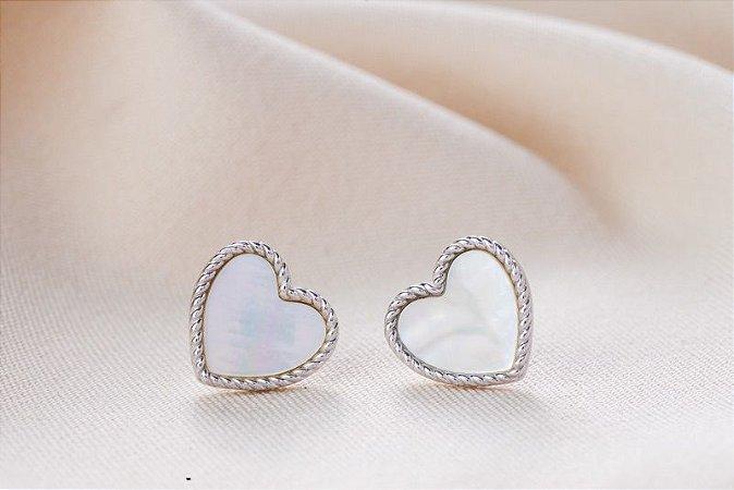 Brinco coração madrepérola prata 925