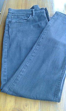 Calça Levi's 511 Tam. W36 L34, preta, corte reto, com stretch, fabricação nacional