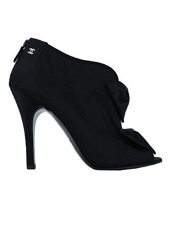 CHANEL | Ankle Boot Laço Chanel Seda Preta