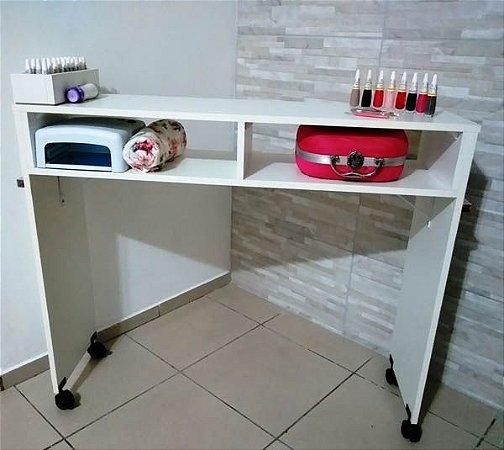 Mesa P/manicure C/1 Compartimento P/esmalte C/ Rodinha 100cm