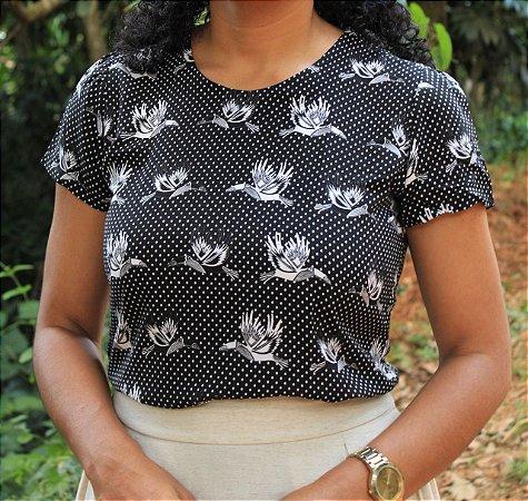 Blusa de viscose com estampa de pássaros