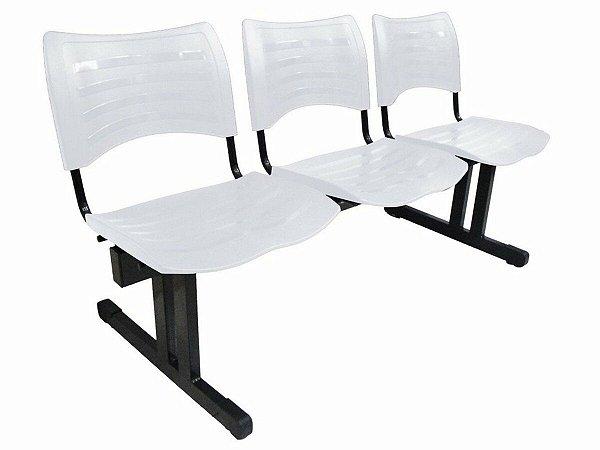 Cadeira Iso em longarina 3 lugares Linha Polipropileno Iso Preto