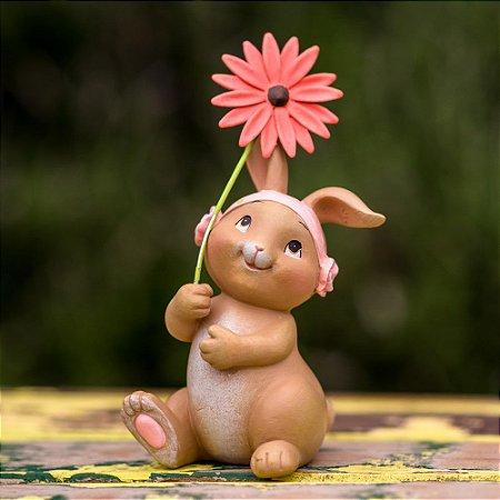 Coelha Sandy com Flor Resina Candy&Funny