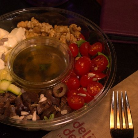 Salada Deli Mediterrânea C/Atum 470g
