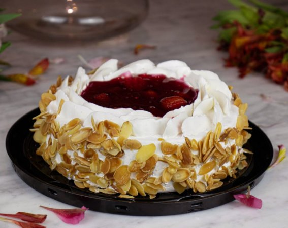 Torta de Morango - Aro 18