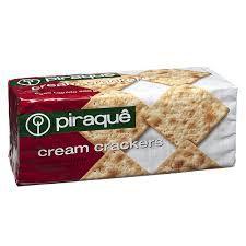 Biscoito Piraque Cream Cracker 200g