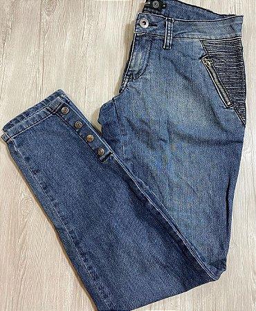 Calça Jeans Botões