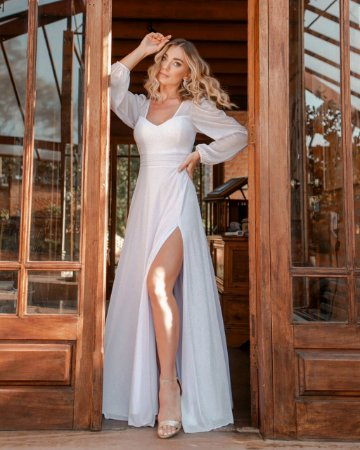 Vestido de Noiva  Manga Longa com Brilho