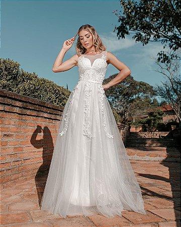 Vestido de Noiva Decote Coração com Rendas
