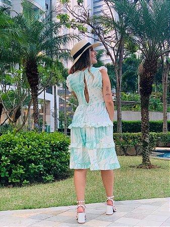 Vestido Curto Verde Fenda nas Costas