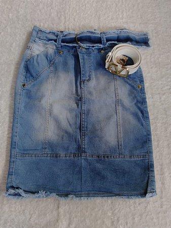 Saias jeans com bordado.