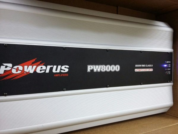 Amplificador Powerus PW8000 BLACK 9750 Watts RMS - Classe D