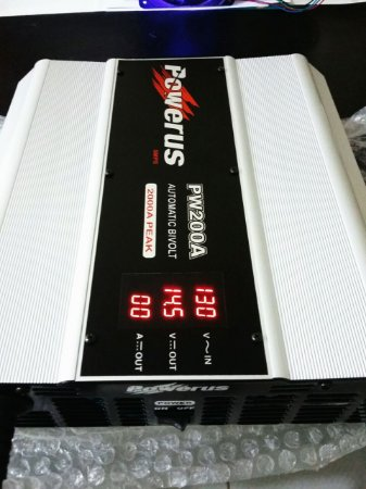 Fonte Automotiva Powerus PW 200A BLACK 14.5v