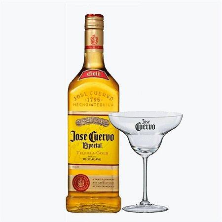 José Cuervo com Taça