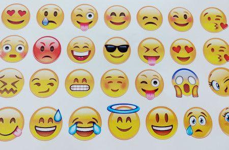 Adesivos Emoctions P com 54 unidades