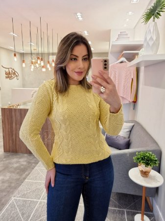 Blusa tricot relevos estilo mullet
