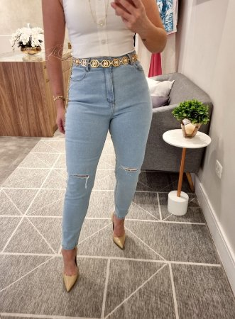 Calça Mom jeans delavê