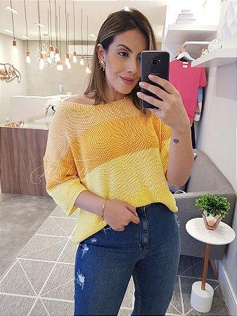 Blusa ampla em tricot amarela