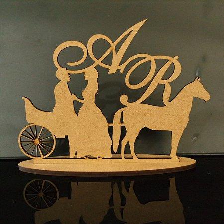 Topo De Bolo Casal na charrete e cavalo - 14cm (maior lado da peça) - Cor à Escolher