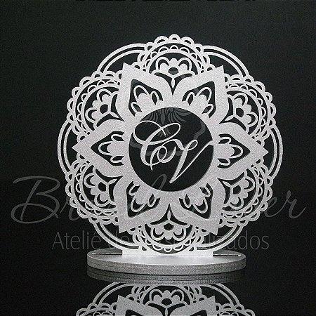 Topo De Bolo Mandala com Iniciais - Tamanho com 20cm (maior lado da peça) - Cor à Escolher