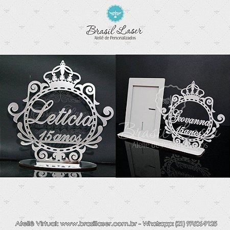 Kit Promocional! 1 Topo de Bolo Prata 20 cm + 1 Porta Retrato com Brasão Mdf Branco.