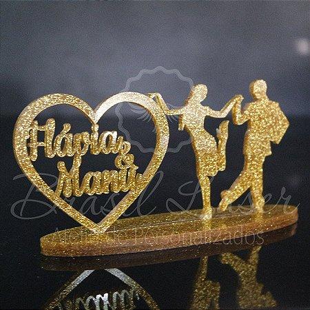 Topo de Bolo Casal de Dançarinos - Tamanho com 14 cm (maior lado da peça) - Cor à Escolher