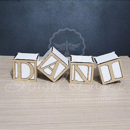 Cubos com Letra ou Número em Mdf - Opções de Tamanho dentro do Anuncio