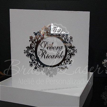 1 Caixinha em Mdf Branca com Brasão Espelhado - tamanho 25cm x 25cm x 4,5cm Personalizada