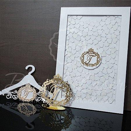 Kit Promocional! 1 Topo de Bolo Dourado 20 cm + 1 Quadro de Assinaturas Branco com Dourado + 1 Cabide com brasão