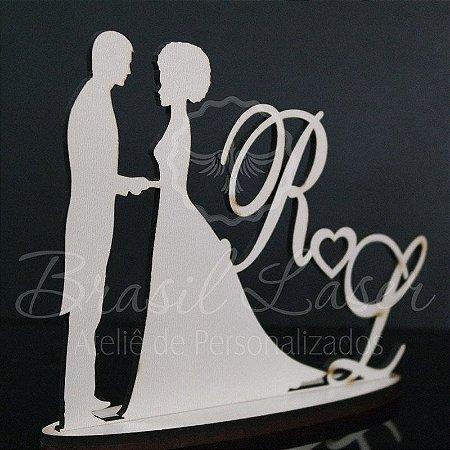 Topo De Bolo Casal com a Noiva de Cabelo Crespo/Afro - Tamanho com 14 cm (maior lado da peça) - Cor à Escolher