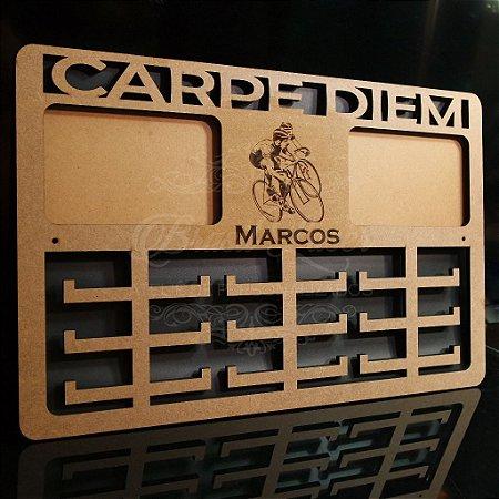 Porta Medalhas ( CICLISMO ) Personalizado Com 2 Locais de Fotos Tamanho 45cmx29,5cm