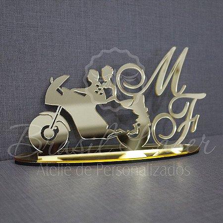 Topo De Bolo Casal na Moto - com 20cm (maior lado da peça) - Cor à Escolher