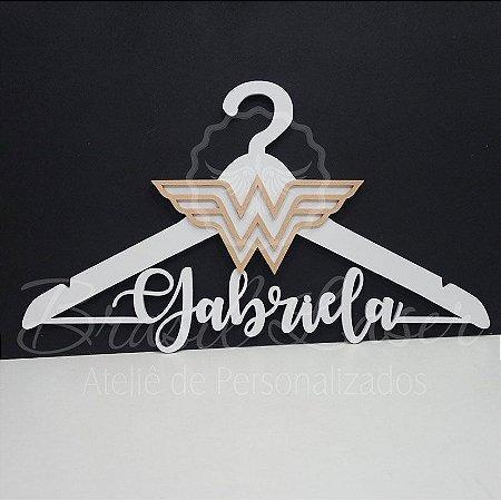 Cabide Mulher MM Pintado Personalizado com o Nome da Debutante ou Noivos Casamento