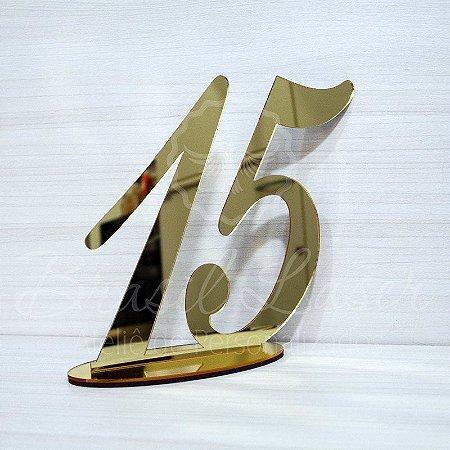 Topo De Bolo Número com 14cm (maior lado da peça) - Cor à Escolher
