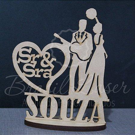 Topo De Bolo Casal Sr e Sra com 14cm (maior lado da peça) - Cor à Escolher