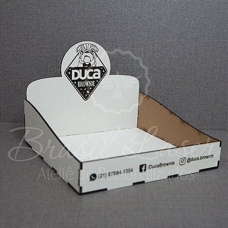 1 Expositore em MDF BRANCO para Brownie / Alfajor / Palha Italiana / Cake / Pão de Mel com 22x20cm com logomarca gravada