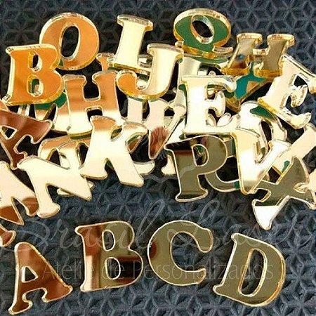 1 Aplique de Letra Para Convites ou Laços ou Caixinhas em Acrílico - Várias Cores - Personalizado - Ver opções dentro do anúncio - #Quantidade Mínima: 20 unidades iguais#