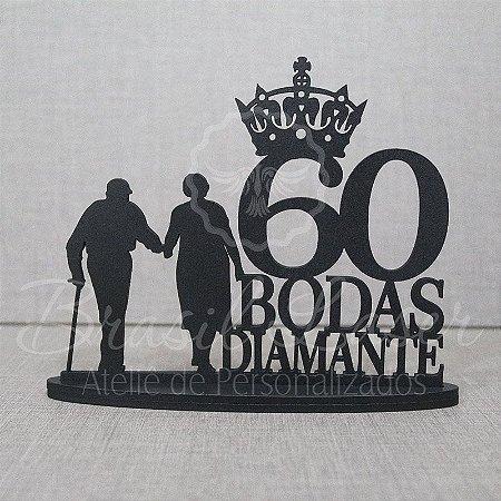 Topo De Bolo Casal Bodas de Diamante - Tamanho com 14 cm (maior lado da peça) - Cor à Escolher