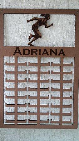 Novo Porta Medalhas Monster Esporte - CORRIDA FEMININA - Personalizado  Tamanho 50cmx80cm Aprox.150 Medalhas